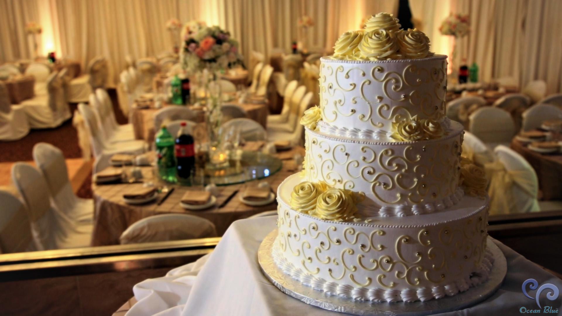 wedding_cake_asian_pearl_restaurant.jpg