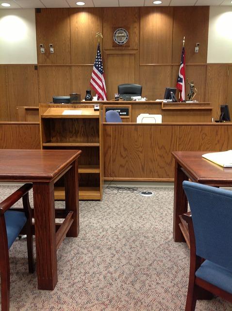 courtroom-144091_640.jpg