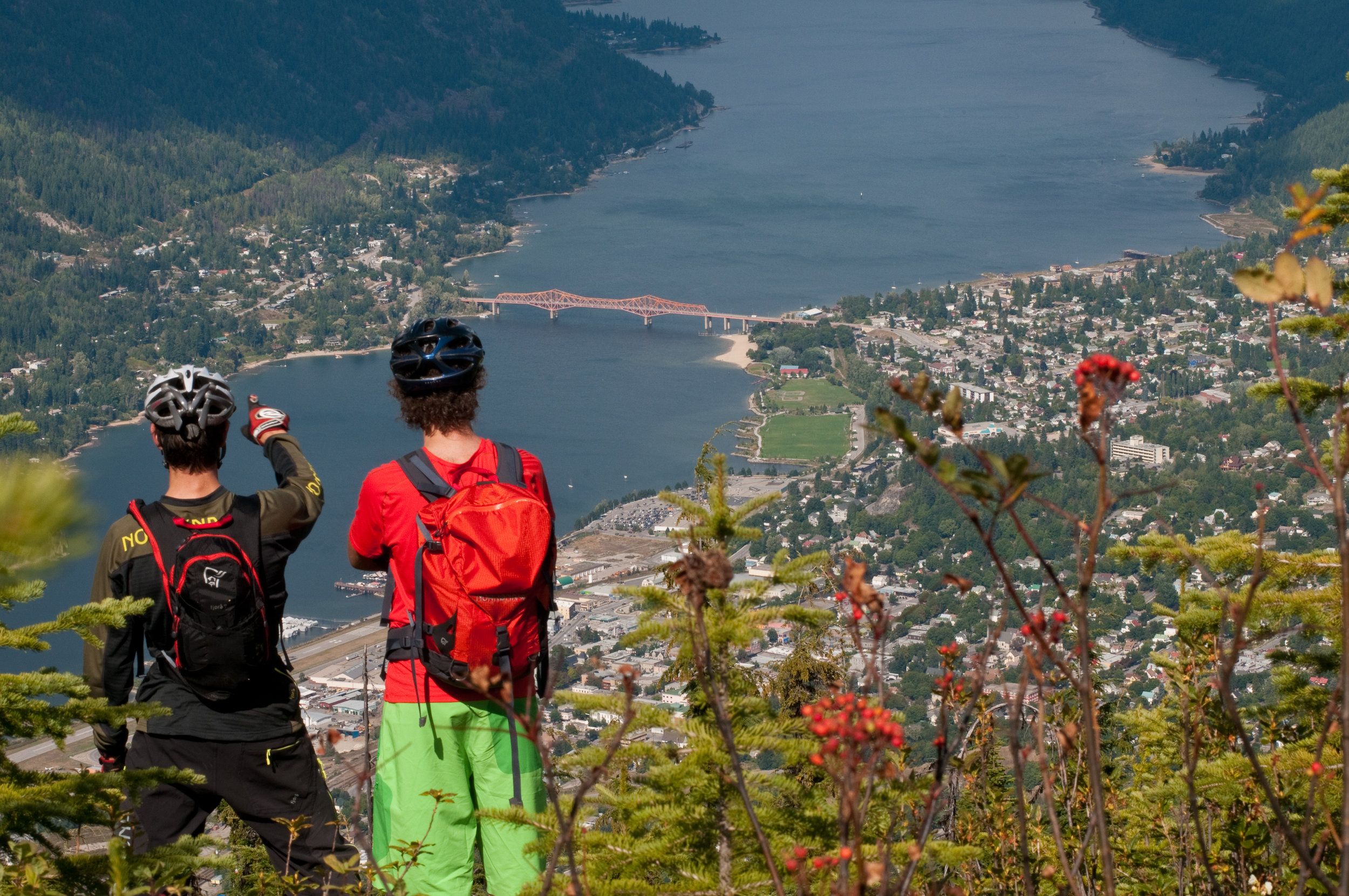 NELSON LANDING in Nelson, BC   LIVE THE EXTRAORDINARY
