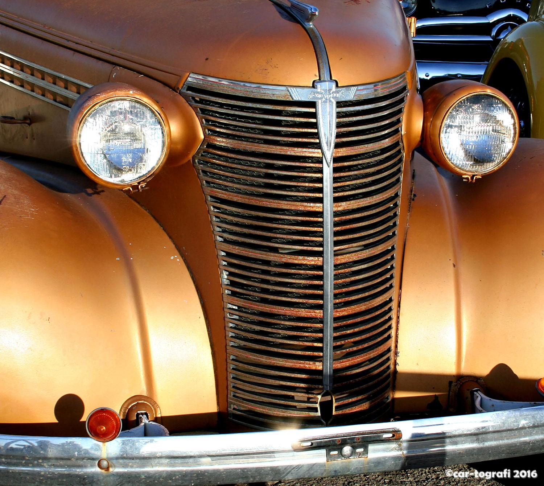 grill-is-golden-car-tografi.jpg
