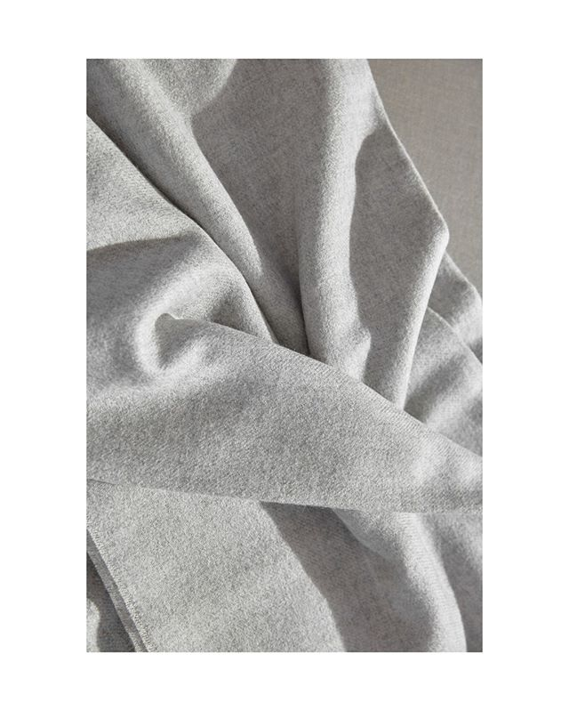 Few things are as silky soft as our Dimma Throw in 100% Peruvian Royal Baby Alpaca.  #cozy #soft #warm #grey #textile #weave #throw #blanket #home #retreat #escape #disconnect #royal #babyalpaca #handmade #peru #interiors #accessories #styling #photography #hygge #minimalist #modern #fellsandes
