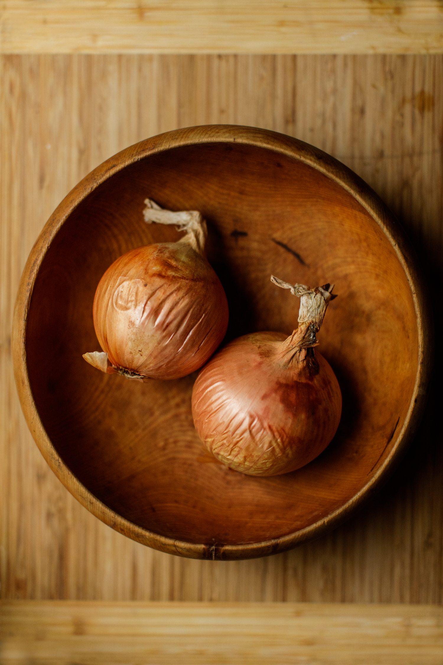 Two onions in a bowl