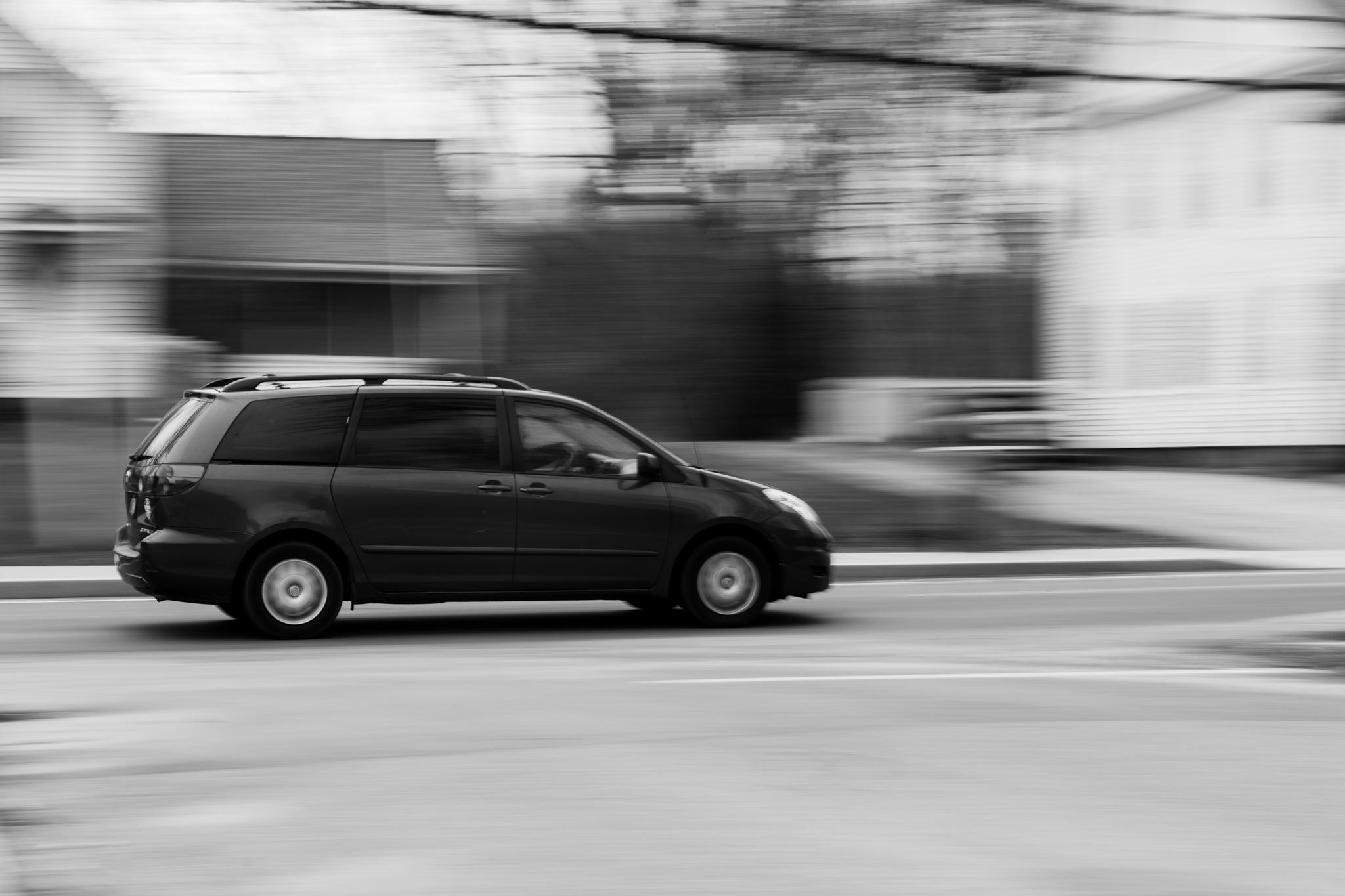 panning image of car in Wakefield, RI