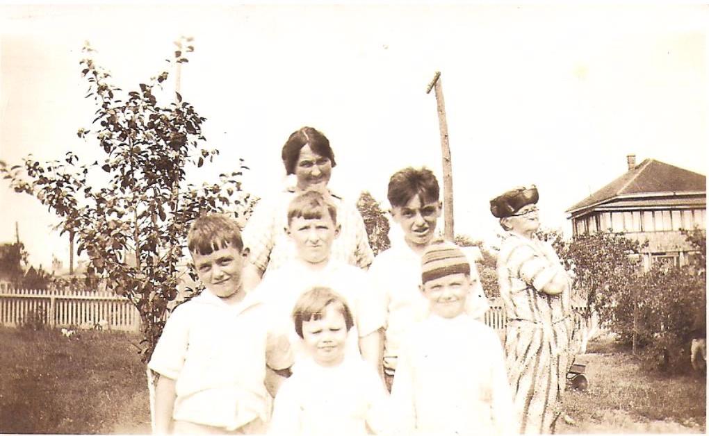 amateur family photo taken in 1920's in Providence, RI