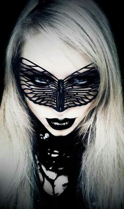 Model: Lilith Vampiriozah