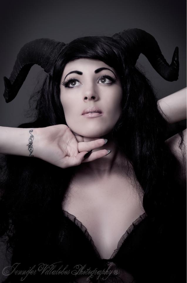 Model:  Paranoir      Photography:  Jennifer Villalobos