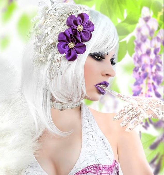 Model:  Dee Dee Zeta