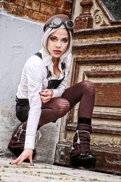 Model:  Niobe Noir