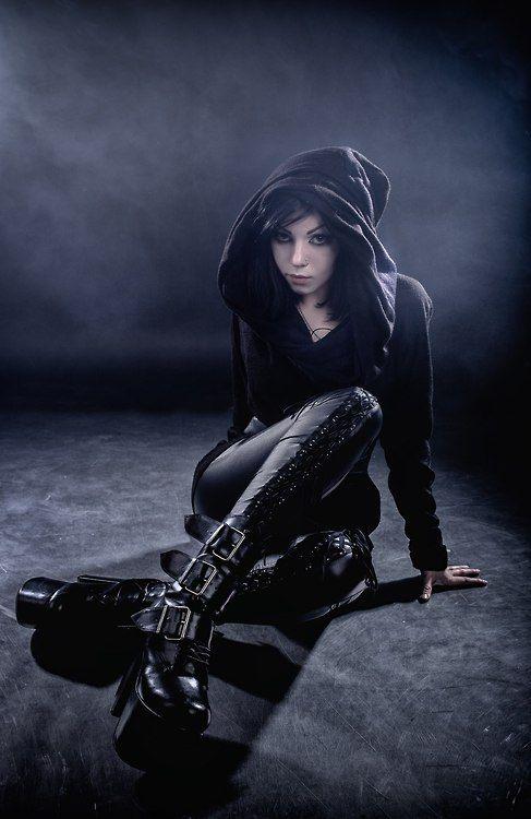 Model: Natasha Dare