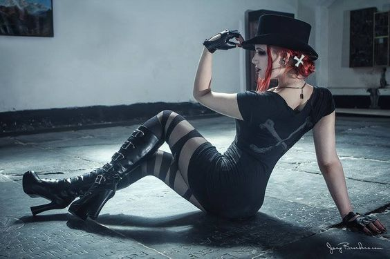 Model: MachineFairy | Photographer: Ian Tessler