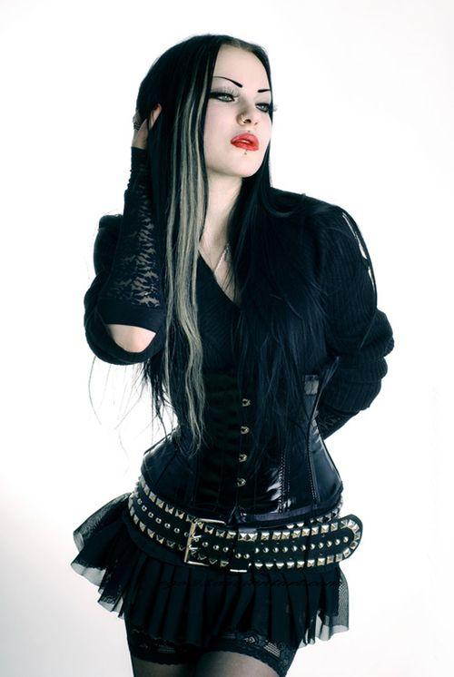 Model: Liama Babylon |  ego93.deviantart.com