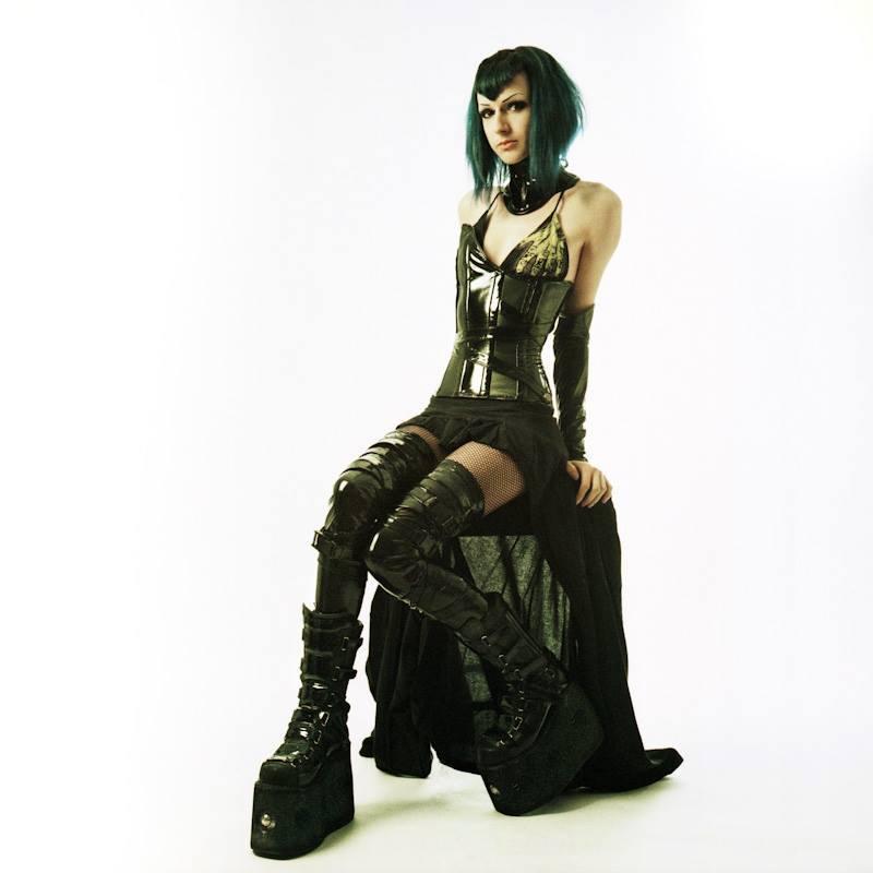 Model: Evelien Estrange