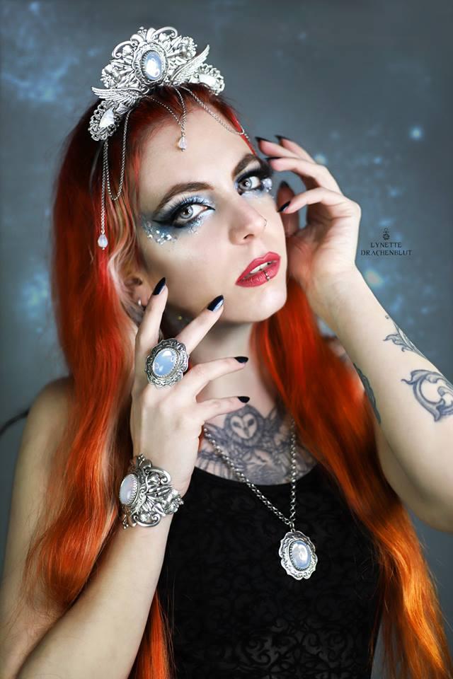 Model: Lynette Drachenblut | IG: lynette_drachenblut