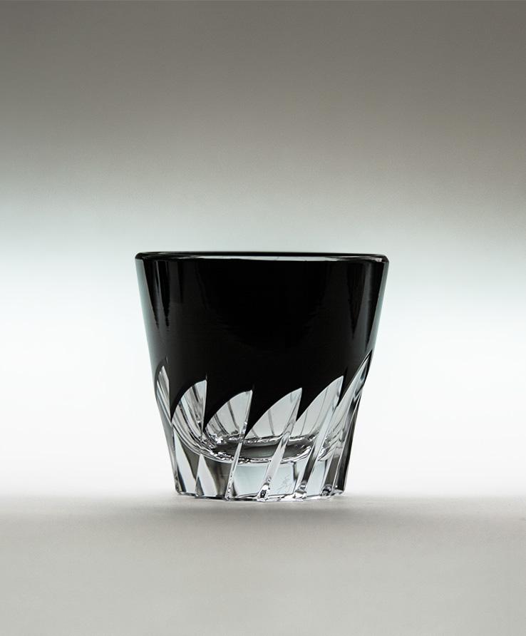 """Guinomi shot glass """"Hane"""" by Shuseki (Horiguchi Kiriko)"""