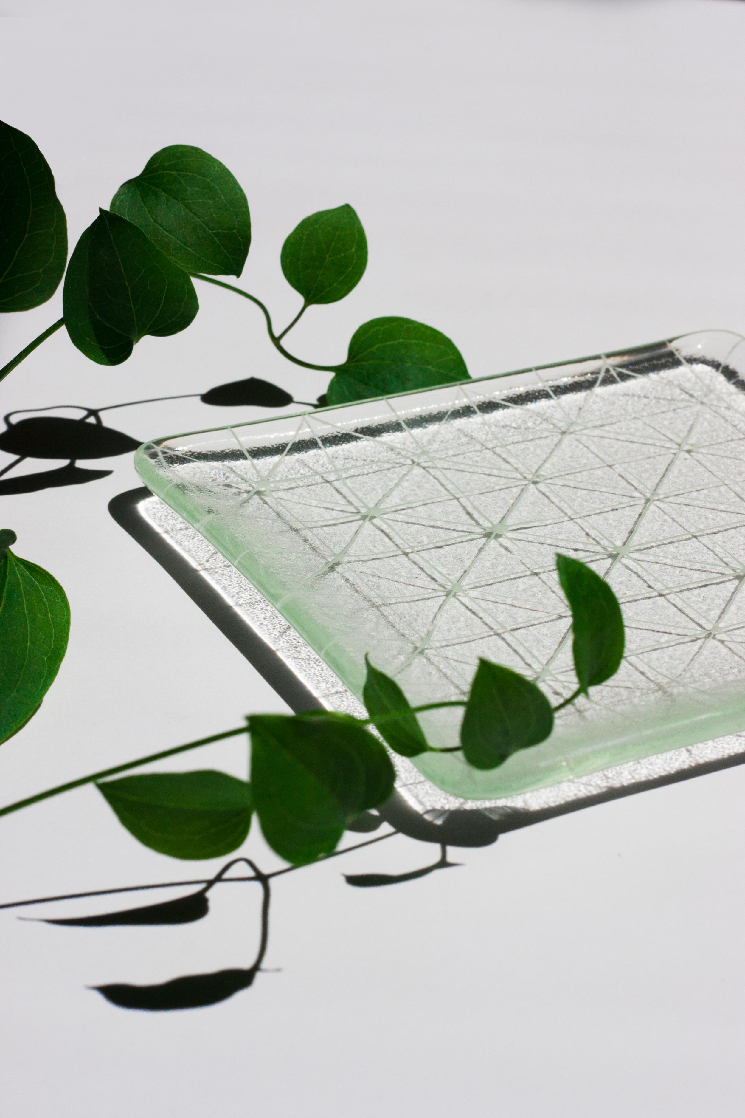 "Beautiful ""Asanoha"" square plate by Saburo"