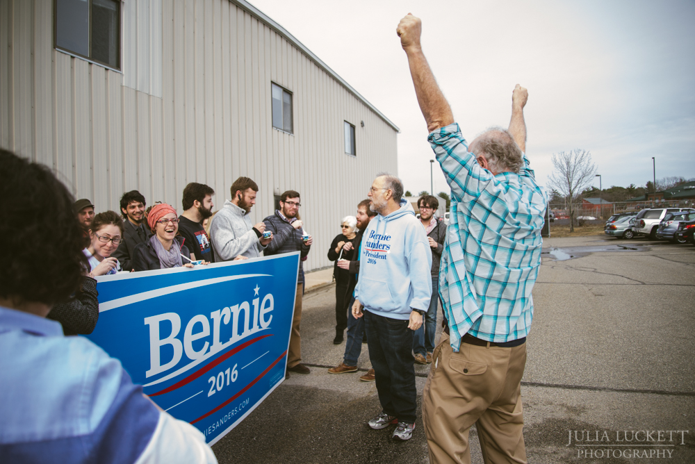Ben cheers on volunteers at the Portsmouth Field Offices.