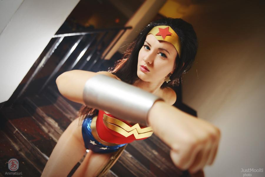 Oniksiyasofinikum  is Wonder Woman