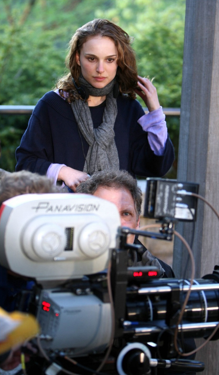 natalie-portman-set-to-direct-a-tale-of-love-and-darkness-header.jpg