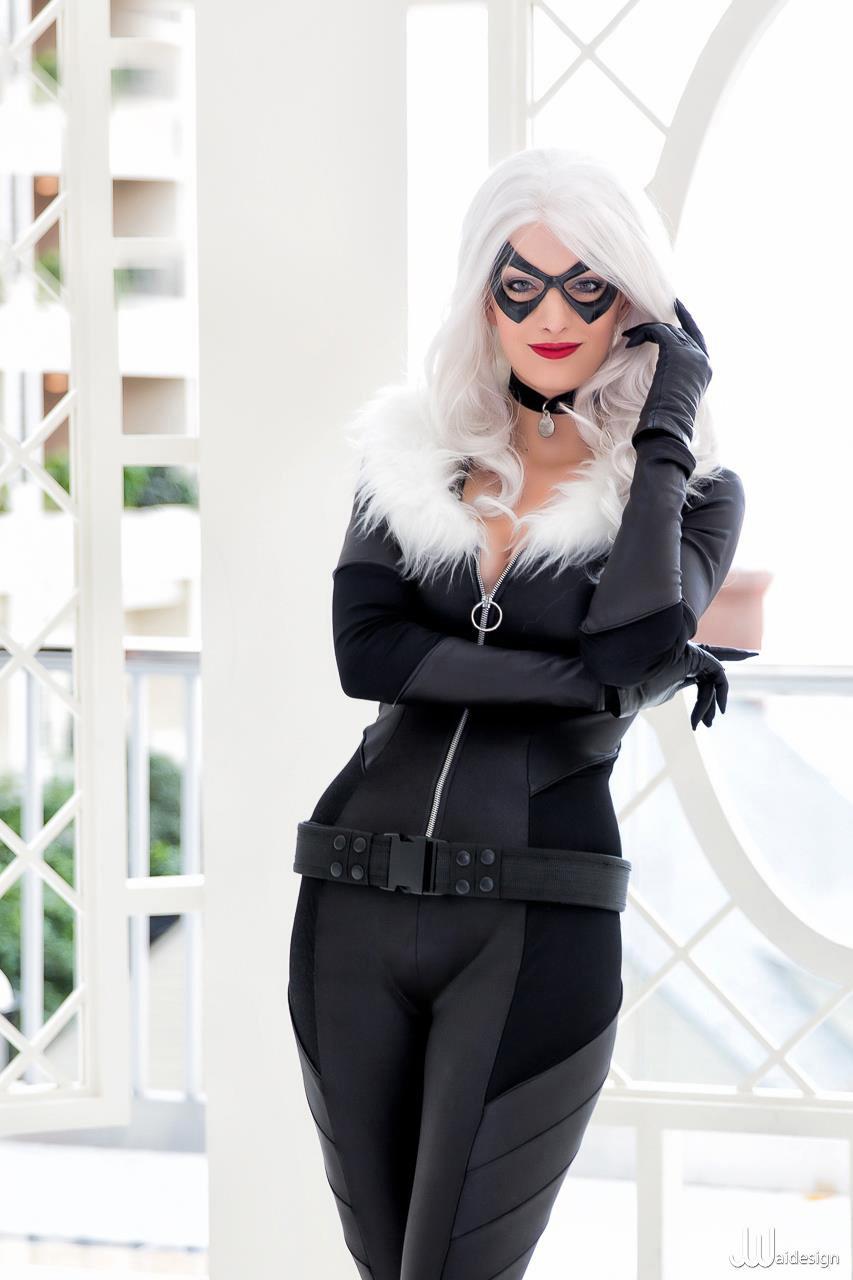 Katie George  is Black Cat | Photo by  JwaiDesign
