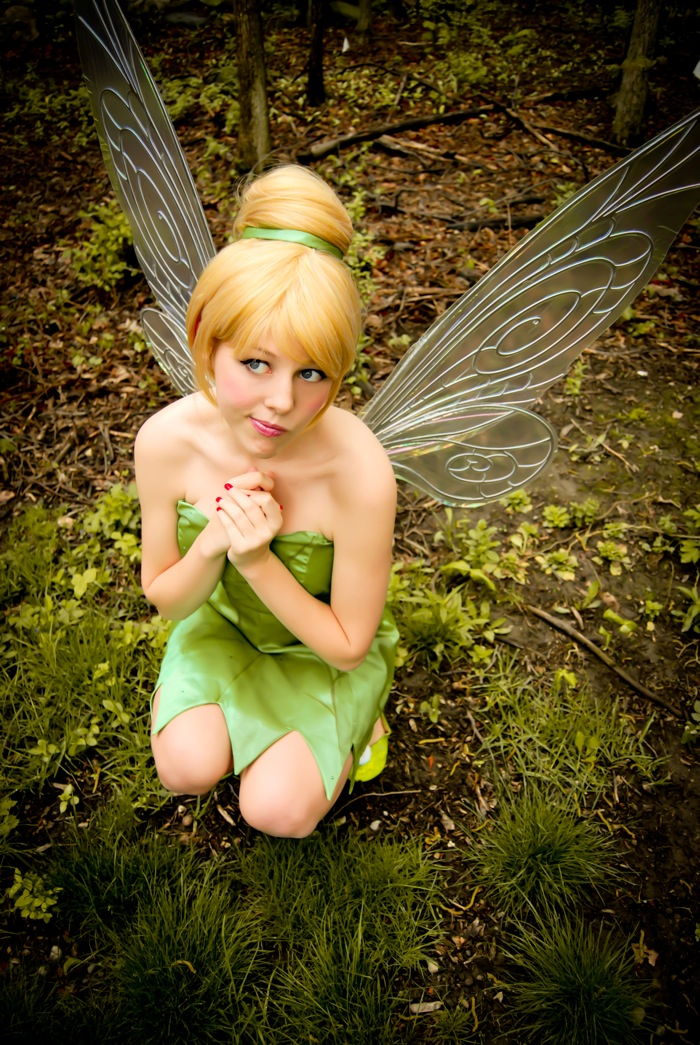 Courtoon  is Tinkerbell | Photo by  Mangosirene  | Wings by  Faeryazarelle