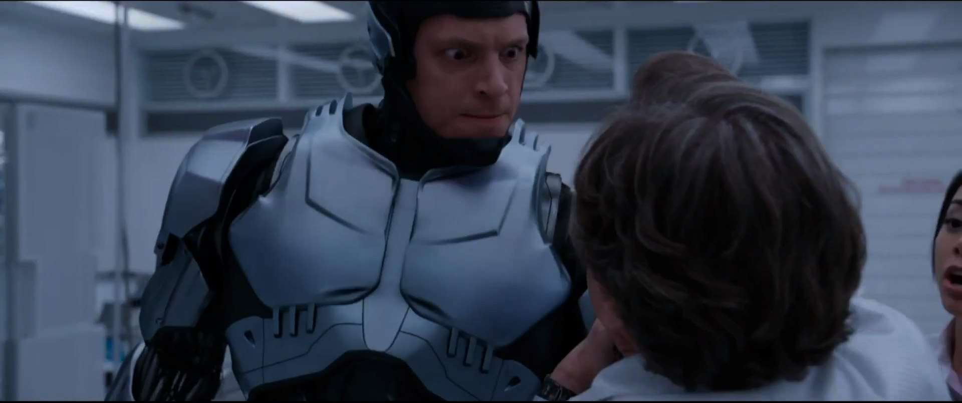 first-awesome-trailer-for-robocop-15.jpg