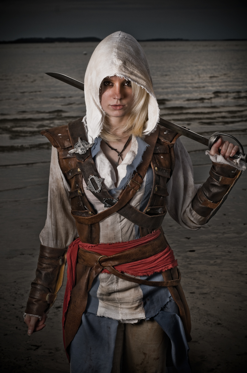 Assassin S Creed Black Flag Cosplay By Alexa Karii Geektyrant