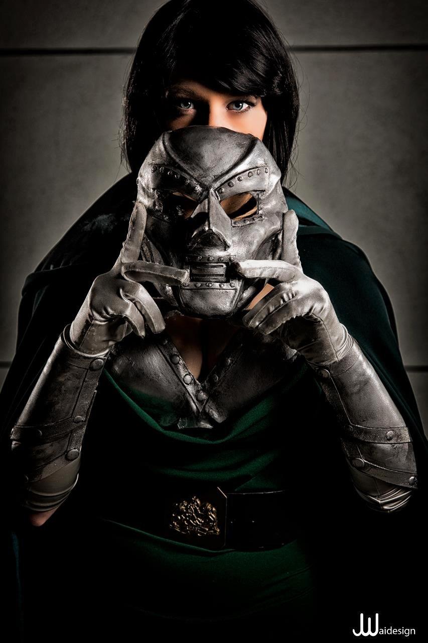 Cosplayer:  Constantine  Photography:  JwaiDesign