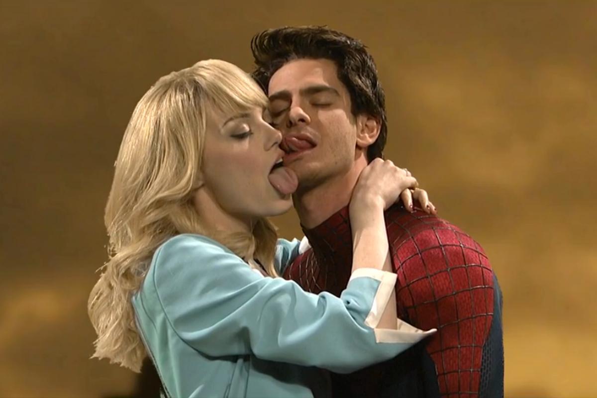 Emma Stone And Andrew Garfield S Hilarious Snl Spider Man Skit Geektyrant