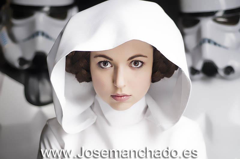 Virchan  is Princess Leia — Photo by  Josemanchado