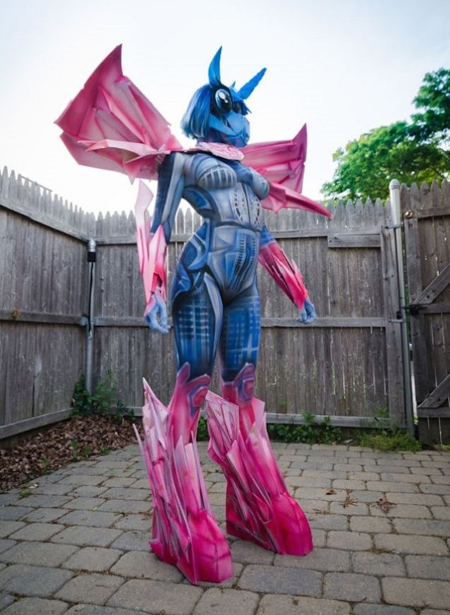 my-little-pony/transformers-body-paint-cosplay