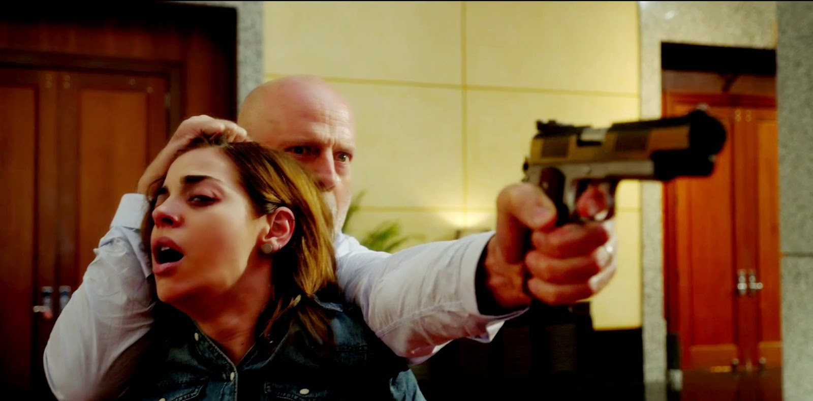 trailer-for-bruce-willis-action-thriller-the-prince