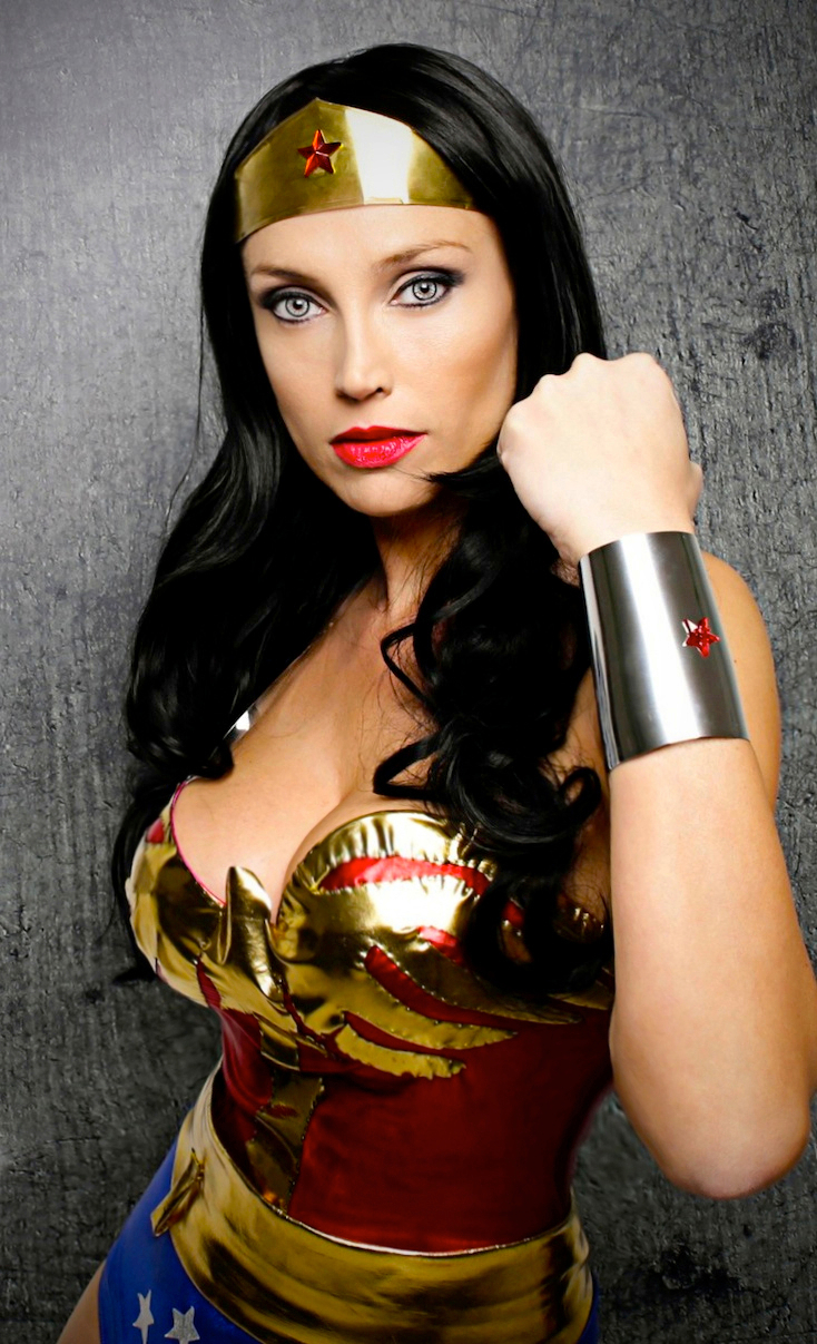Giorgia Cosplay  is Wonder Woman