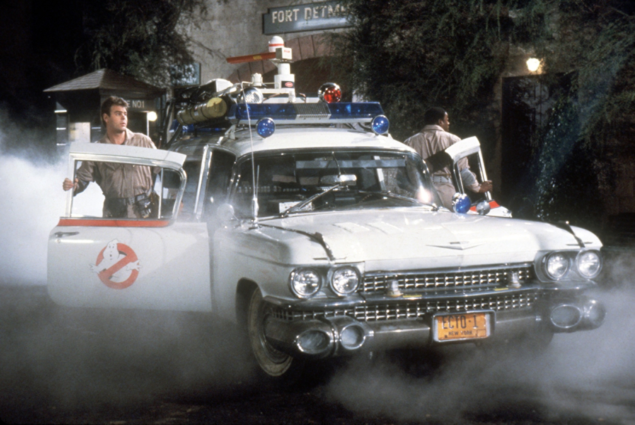 ghostbusters-ecto-1-car-design-discussion