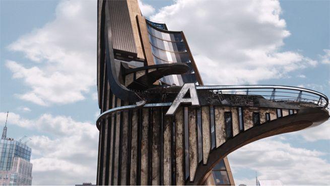 marvel-give-robert-downey-jr-giant-avengers-logo-prop