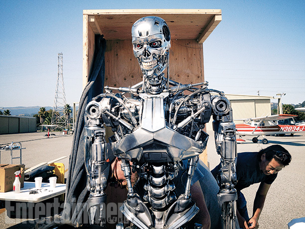 first-official-look-at-arnold-schwarzenneger-in-terminator-genisys1