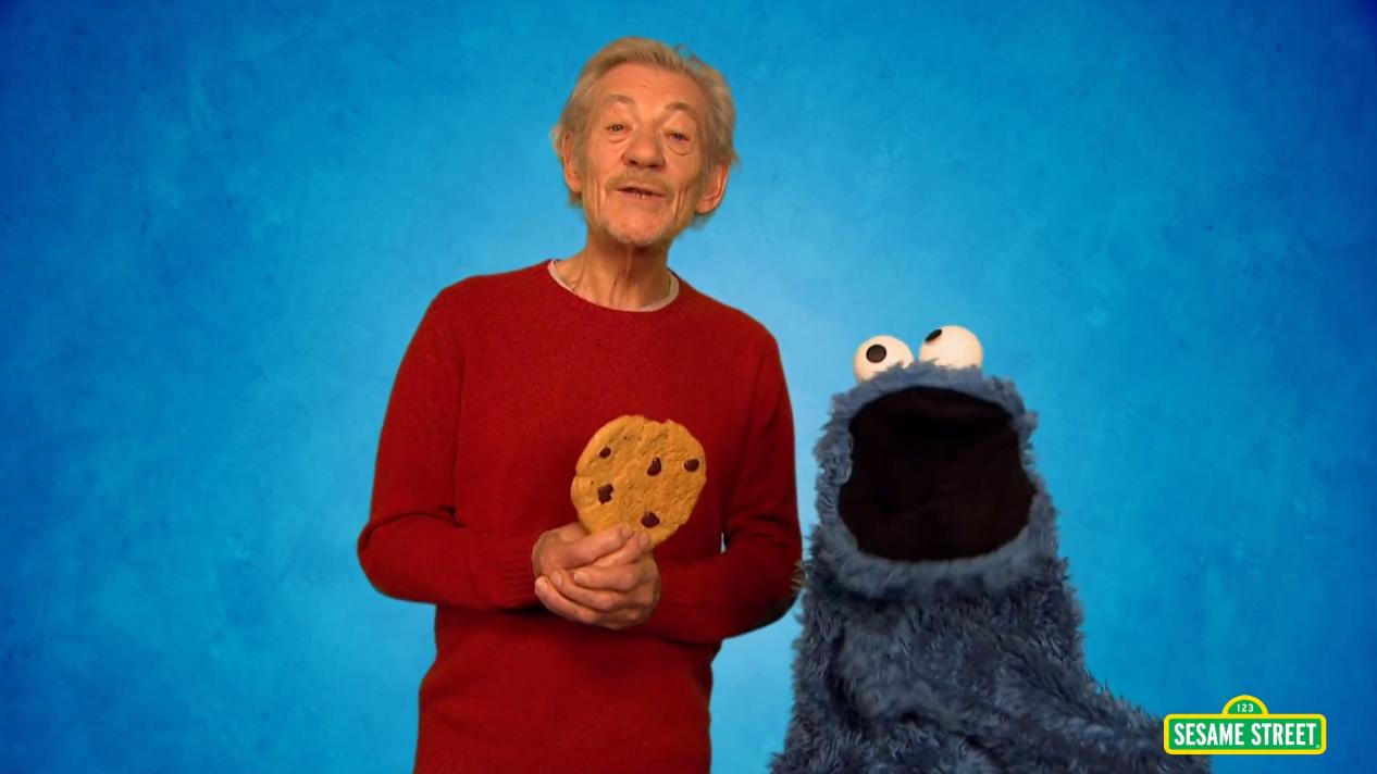 ian-mckellen-teaches-cookie-monster-self-control-on-sesame-street