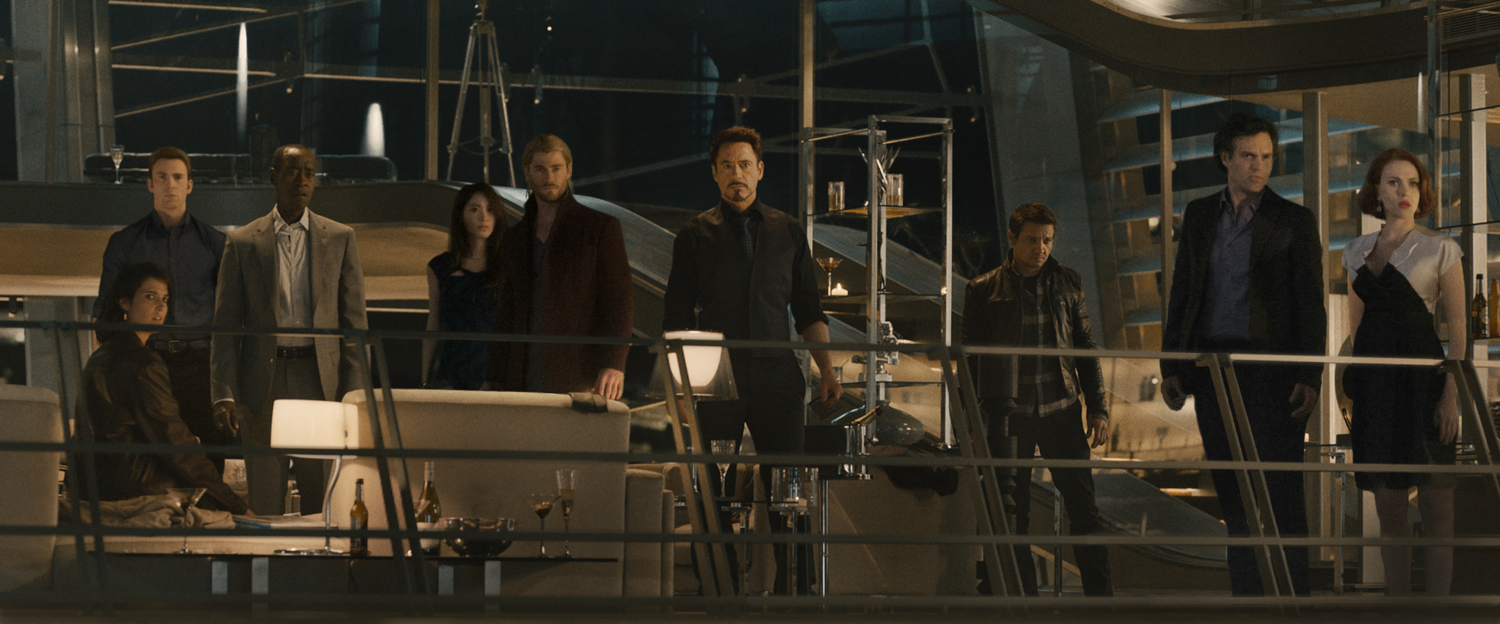 New AVENGERS: AGE OF ULTRON Team Photo and Promo Art