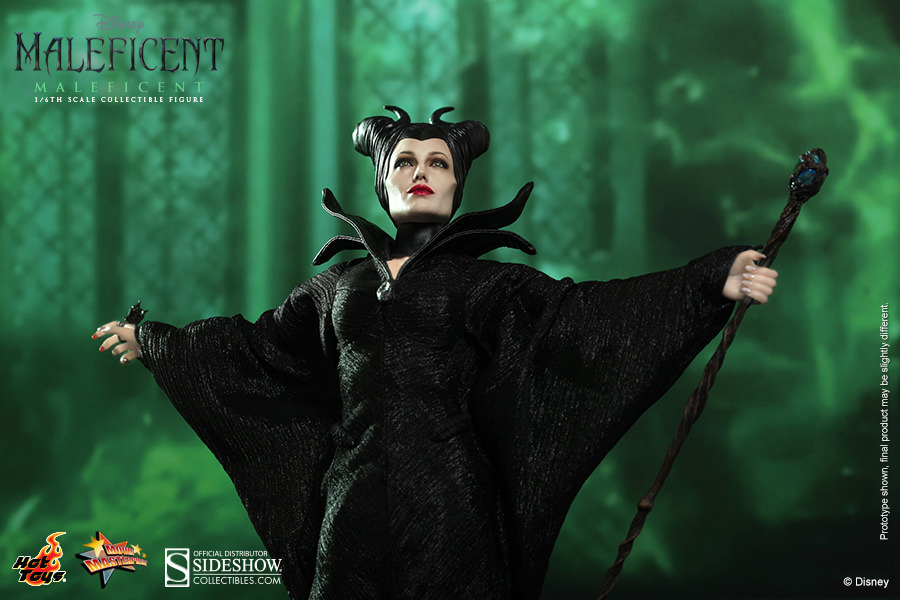 Maleficent Sideshow Collectibles Action Figure Review