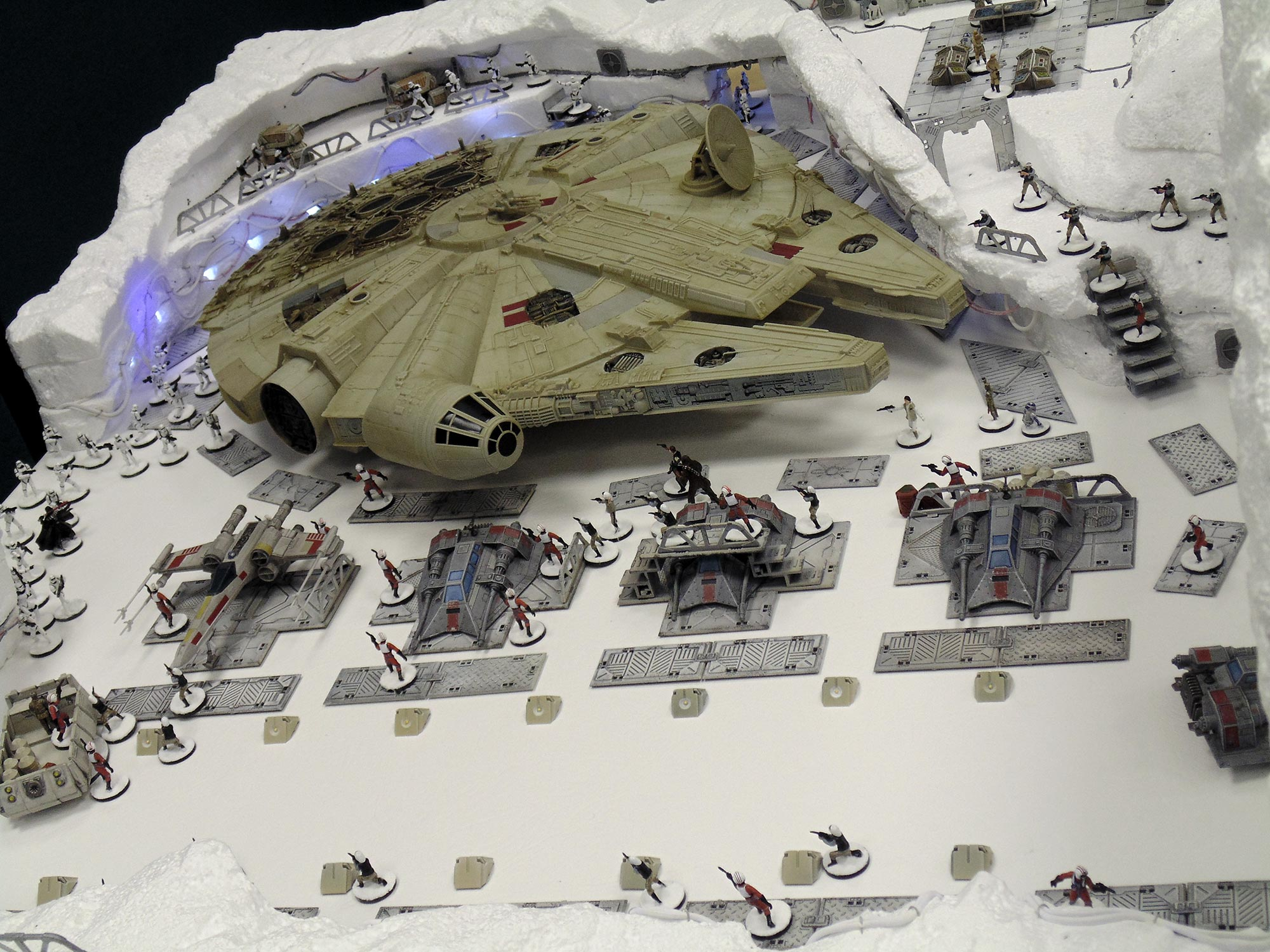 star-wars-battle-of-hoth-recreated-as-tabletop-gaming-table