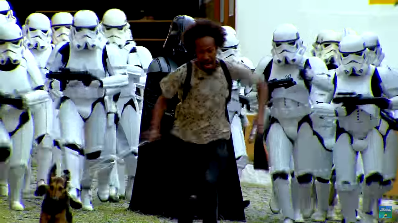 funny-star-wars-prank-video-have-people-running-scared
