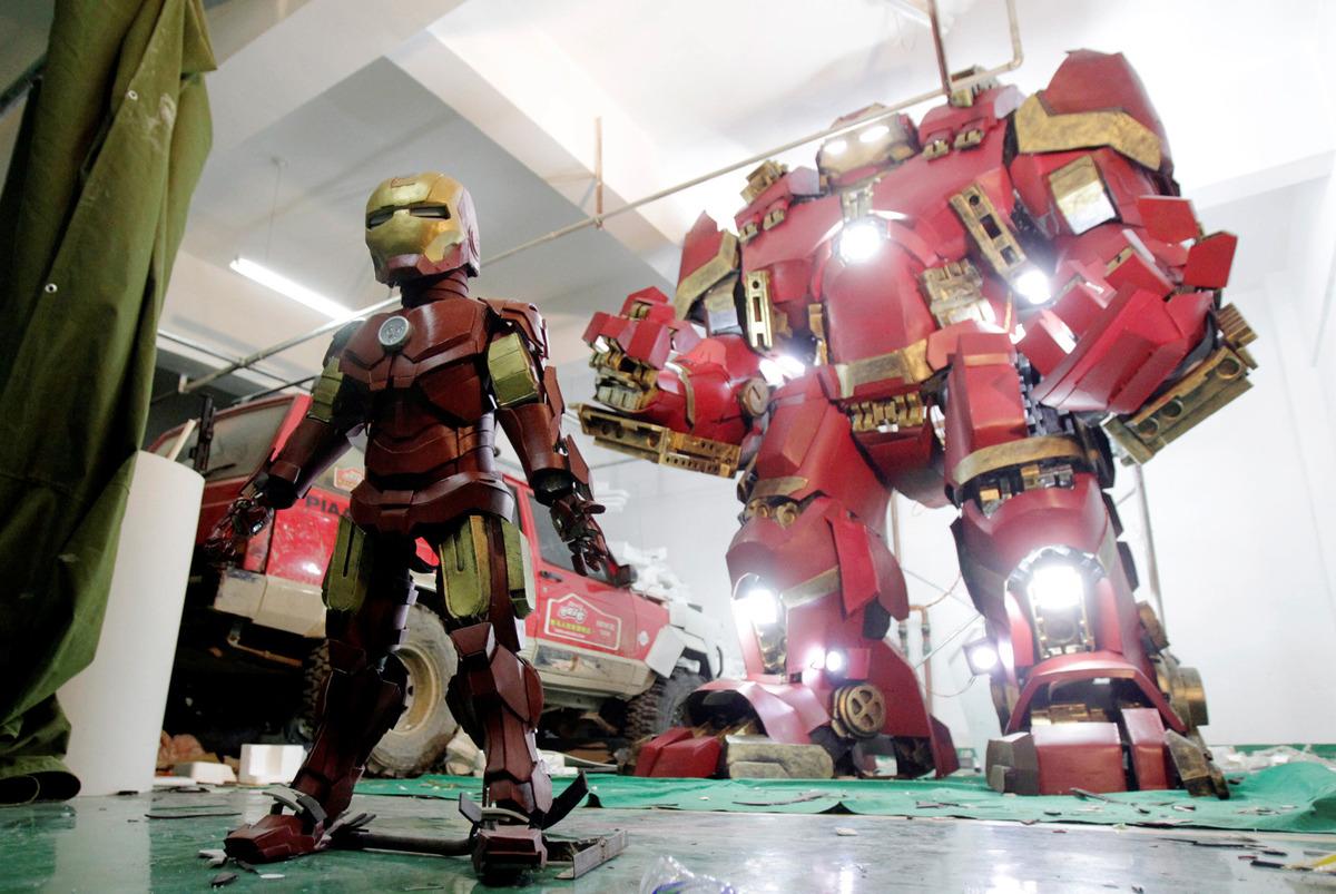 fan-builds-radical-life-size-hulkbuster-armor1
