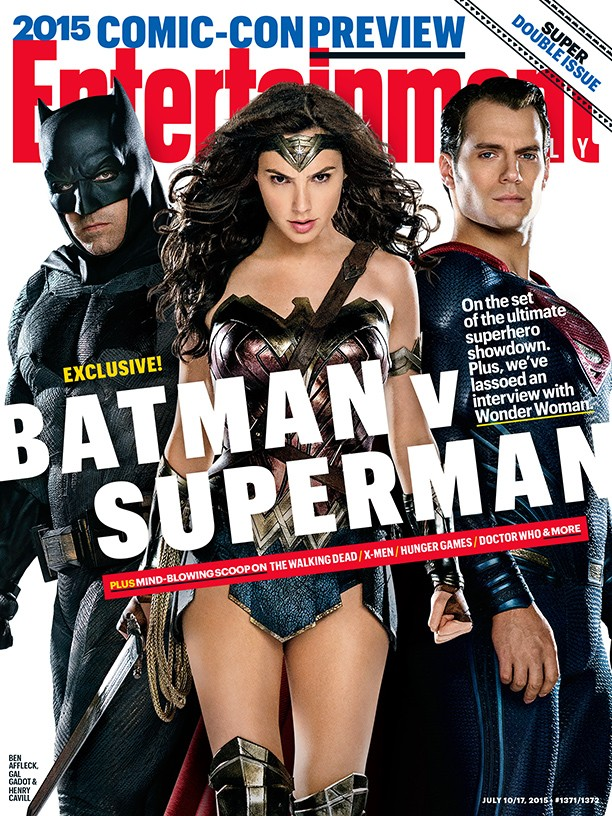 batman-v-superman-ew-cover-and-the-two-heroes-face-off-in-new-photo