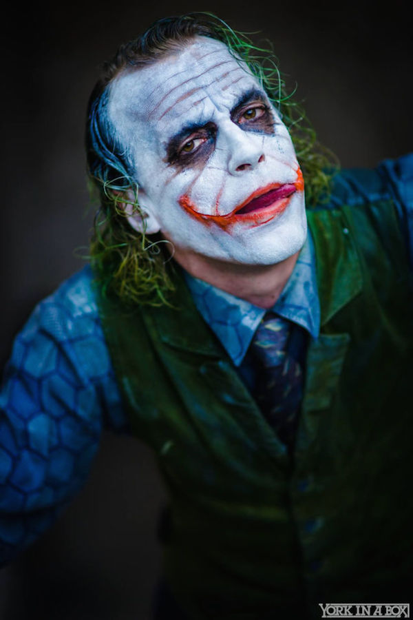 This Heath Ledger Joker Cosplay Is Insanely Unsettling