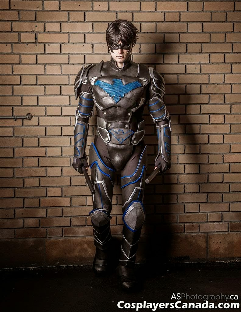 Unknown is Nightwing   Photo by  ASPhotography.ca