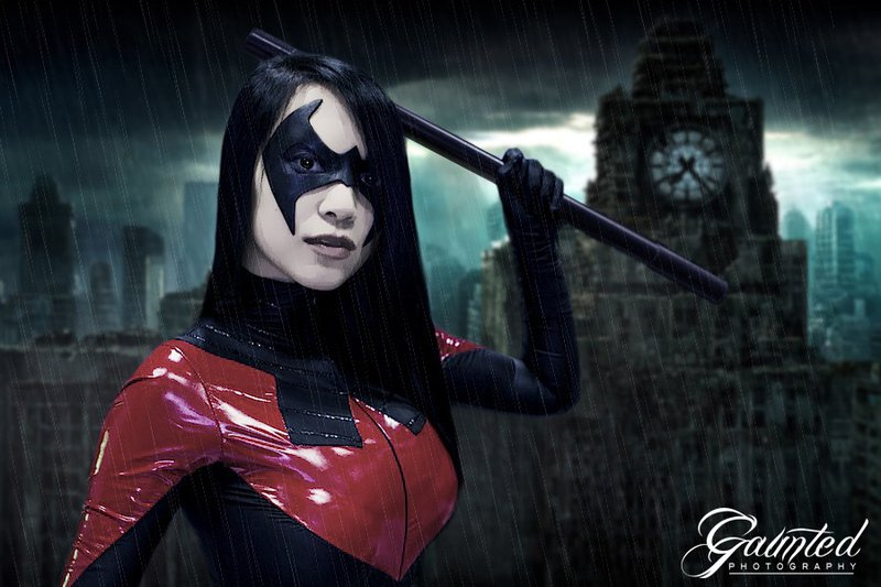 VampBeauty  is Nightwing   Photo by  Gaunted Photography