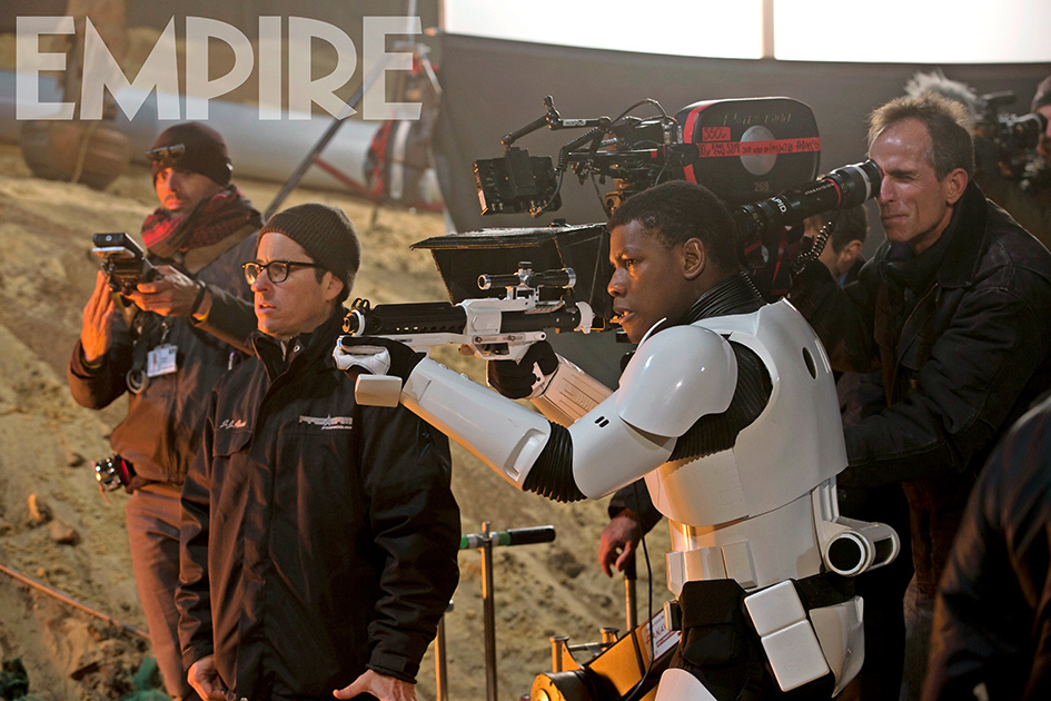 2-bts-photos-from-star-wars-the-force-awakens-and-bb-8-empire-cover1