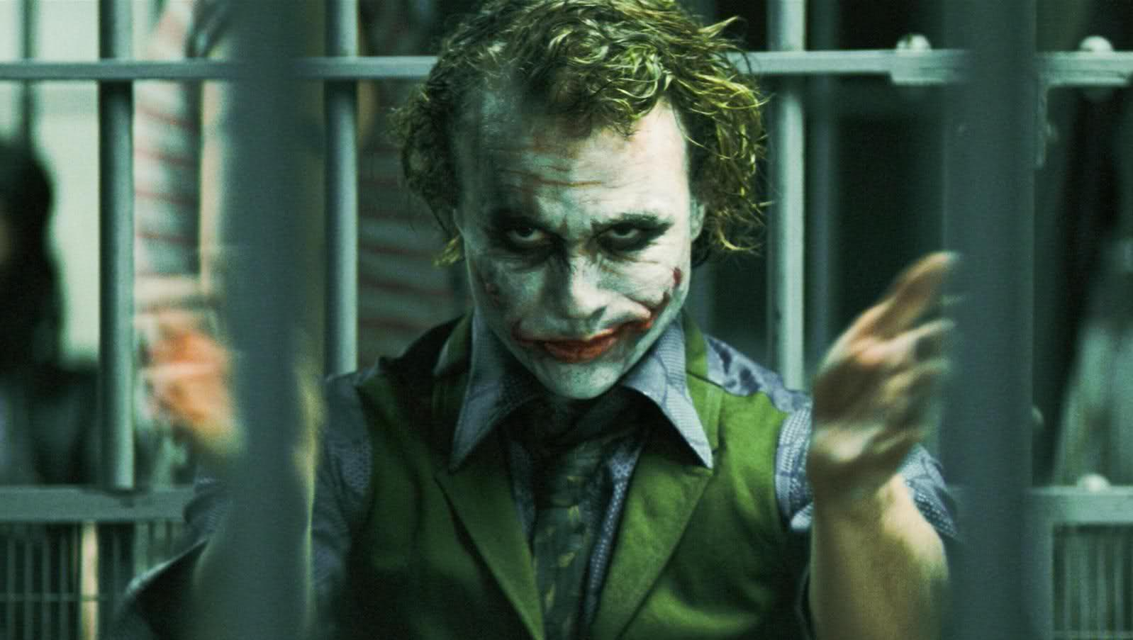 interesting-fan-theory-makes-joker-the-hero-of-the-dark-knight