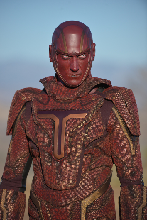 first-official-look-at-red-tornado-in-supergirl