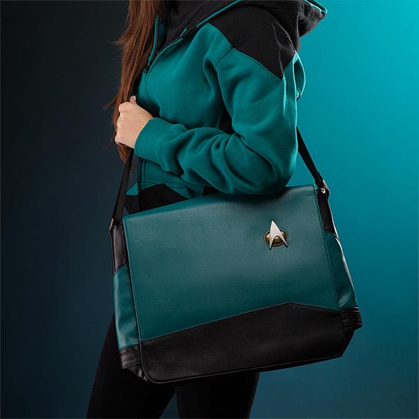 imkk_tng_uniform_msngr_bags_onmodel.jpg