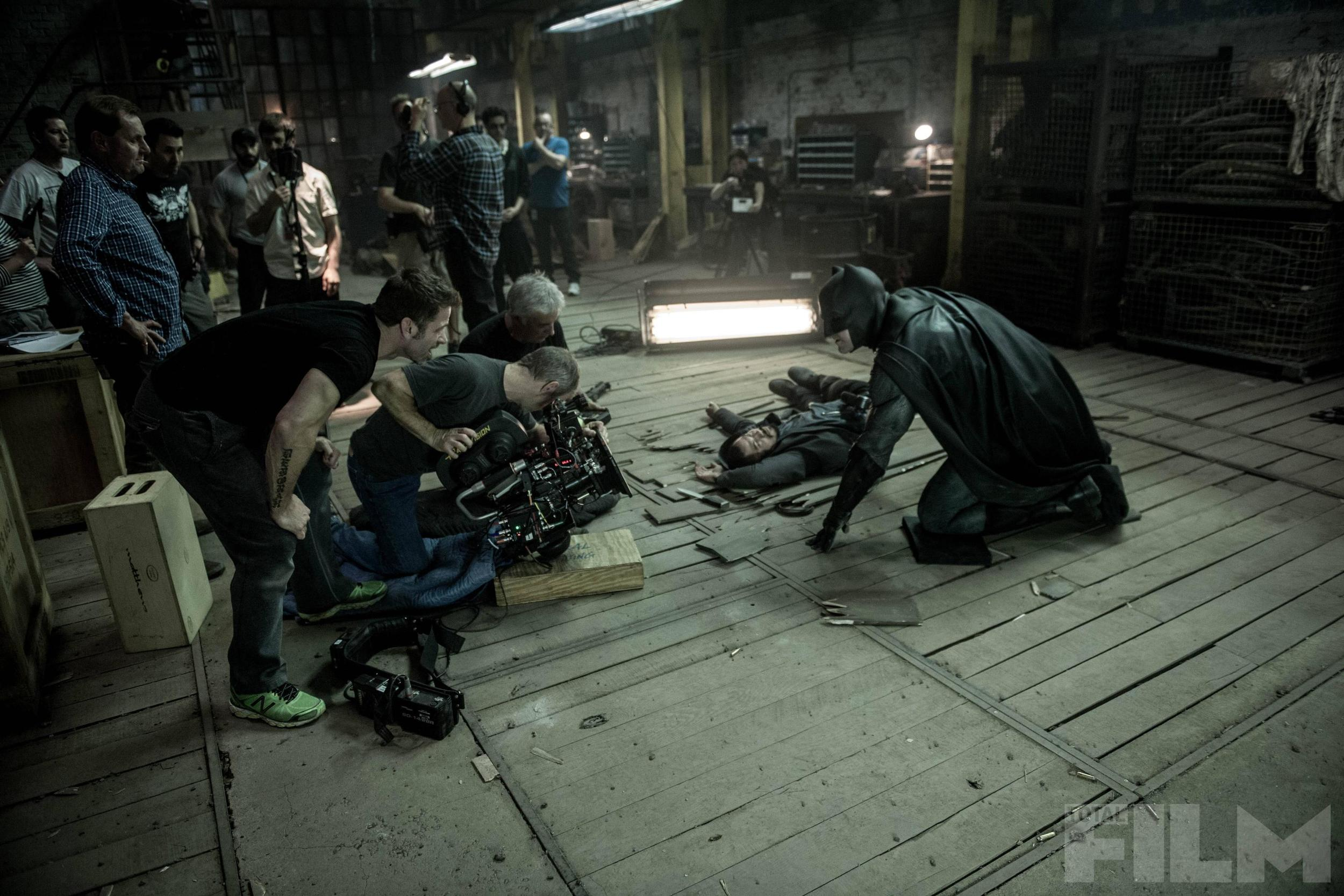 batman-v-superman-total-film-magazine-cover-and-4-photos1